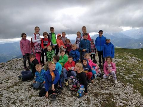 Pridružite se Mladim planincem na zabavnih pohodih