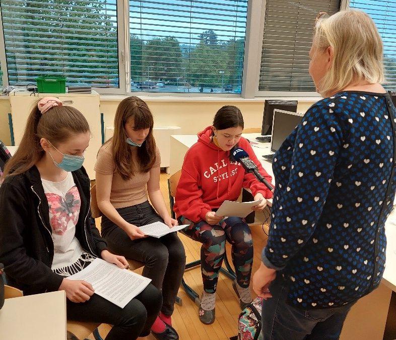 Snemanje radijske oddaje Zvedavčki na 2. osnovni šoli Slov. Bistrica